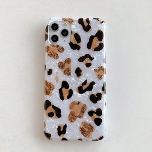 Accessories - NEW Leopard Shell Hard Apple Airpods 1 2 Pro case